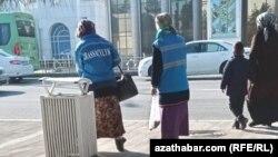 Истгоҳи автобус дар Ашқобод