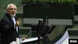محمدجواد ظریف وزیر خارجه در مجلس