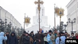 Tatarstan -- Religious procession in Kazan, 04Nov2009