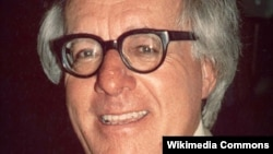 Məşhur yazıçı Ray Bradbury