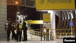 Полицейские в метро Манчестера после инцидента 31 декабря.