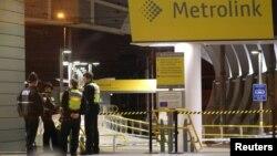 Полицейские в метро Манчестера после инцидента 31 декабря