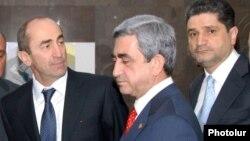 Qarabağlılar - Robert Koçaryan (solda) və Serj Sarkisyan (ortada)