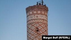 Bu İz proqramında ishqal altindaki Azərbaycanın mədəniyyət abidelerinin taleyinden soz acilir.
