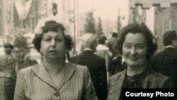 Натальля Арсеньнева і Яніна Каханоўская. 1963