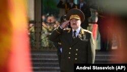 الکساندر لوکاشینکا، رئیس جمهور بلاروس هنگام مراسم سوگند وفاداری در منسک