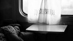 «Мамо, я вже не бачу себе у Донецьку». Подкаст фільму «Поїзд «Київ-Війна» про тих, хто полишив зону війни