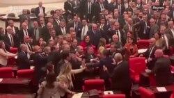 Tuča u turskom parlamentu