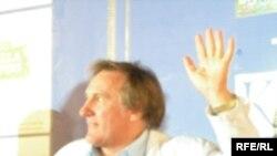 Жерар Депардье на пресс-конференции, посвященной вручению премии Станиславского