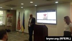Тимоти Снайдер в Киеве на презентации книги «Кровавые земли: Европа между Гитлером и Сталиным»