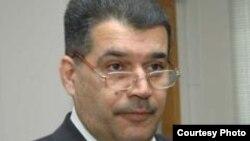 Экс-ректор частного университета Эльшад Абдуллаев