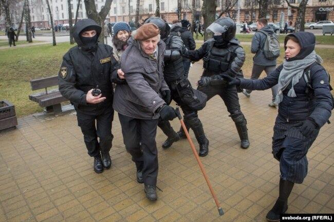 День свободи у Мінську, затримання людей у центрі столиці Білорусі, 25 березня 2017 року