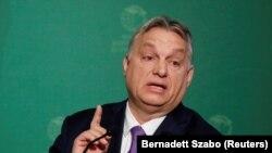 Повноваження Орбану були надані парламентом для боротьби з коронавірусом