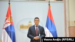 Za razliku od lažnih državnih udara o kojima se ranije govorilo, ove nedelje se dogodio pravi državni udar: Vuk Jeremić