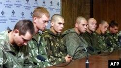 Бир нече күн мурда орус армиясынын он десант аскери Украинада туткунга түшкөнү кабарланган.