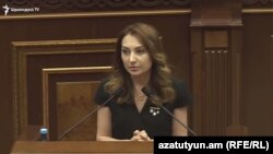 Руководитель правящей парламентской фракции «Мой шаг» Лилит Макунц (архив)