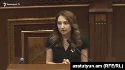Руководитель фракции «Мой шаг» Лилит Макунц, Ереван, 29 мая 2019 г.