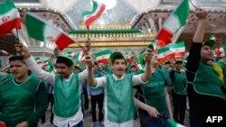آرشیف، محصلین ایرانی در حال تجلیل از چهلمین سالروز پیروزی انقلاب اسلامی