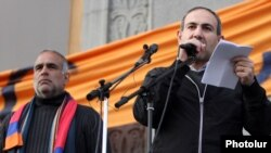 Armenia - Nikol Pashinian (R) addresses a rally in Yerevan's Liberty Square organized by fellow opposition leader Raffi Hovannisian (L), 15Mar2013.