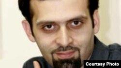 روزبه میرابراهیمی در پرونده موسوم به وبلاگ نویسان بازداشت شد