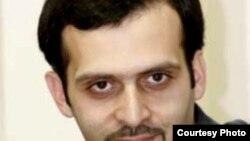 روزبه میرابرهیمی؛ روزنامهنگار و وبنگار ایرانی
