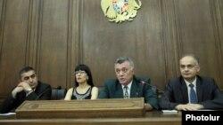 Армения - Совместная пресс-конференция представителей четырех неправящих парламентских партий (архив)