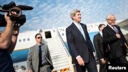 Իսրայել - ԱՄՆ-ի պետքարտուղար Ջոն Քերրին Թել Ավիվի «Բեն Գուրիոն» օդանավակայանում, 2-ը հունվարի, 2014թ.