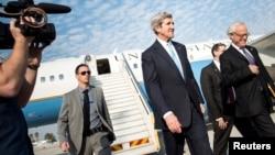 Джон Керри прибыл в аэропорт Бен-Гурион под Тель-Авивом 2 января 2014 года