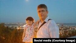 Roman Tarasov dhe vajza e tij, Natasha, e cila ka transplantuar veshkën kur ishte gjashtë muajshe