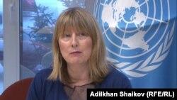 Спецдокладчик ООН по вопросам защиты прав человека и основных свобод Фионнула Ни Аолэйн во время пресс-конференции в Нур-Султане, 17 мая 2019 года.