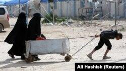 Refugiați în tabăra Al-Hol din Siria