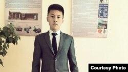 Анвар Маматмуродов, ученик 11-го класса школы №4 в Джаркурганском районе Сурхандарьинской области Узбекистана.