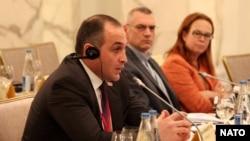 Ադրբեջան - Հայկական պատվիրակության ղեկավար Կորյուն Նահապետյանը ելույթ է ունենում ՆԱՏՕ-ի սեմինարին, Բաքու, 16-ը հունիսի, 2014թ․