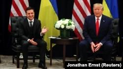 Ukraina prezidenti Volodımır Zelenskıy ve AQŞ prezidenti Donald Tramp