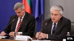 Служебният премиер Стефан Янев и вътрешният министър Бойко Рашков