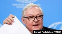 سرگئی ریابکوف میگوید که اتحادیه اروپا رویکرد دوگانه خود را در قبال ایران حفظ کرده است.