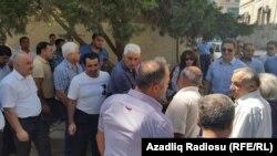 Ispred sudnice dan pred presudu Ismailovoj