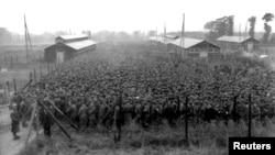Немецкие военнопленные в северной Франции, 1944 год
