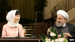 کنفرانس خبری حسن روحانی و پارک گئون هی، روسای جمهور ایران و کره جنوبی در تهران