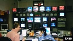 В случае с Пятым каналом предприниматели, близкие к власти, получили для своего телебизнеса преференции, считают эксперты