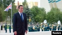 Kryeministri britanik, David Cameron (Ilustrim)