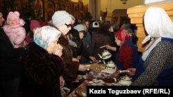 После причащения в день Рождества в алматинской церкви.