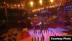 Під час байкерського шоу члени байкерського російського мотоклубу «Нічні вовки» вишикувалися у свастику, Севастополь, 8 серпня 2014 року