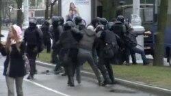 В Беларуси задержаны сотни оппозиционных активистов (видео)