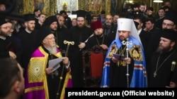 Патриарх Варфоломей I и предстоятель Православной церкви Украины Епифаний в Стамбуле. 5 января 2019 года