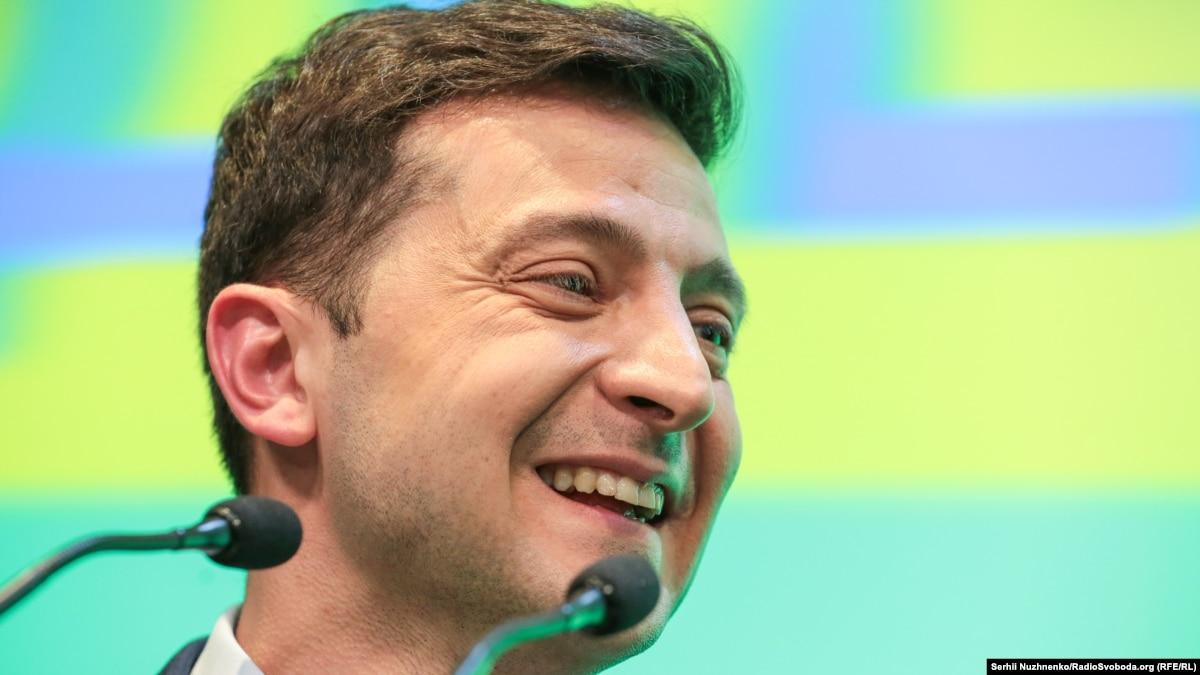 Хто перемагає на виборах президента України: результати всіх екзит-полів