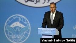 Ministri i Jashtëm rus, Sergei Lavrov gjatë fjalimit të tij në Soçi