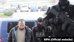 Архивска фотографија: Апсење на вахабисти во акцијата Дамаск во Сараево.