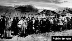 Одеські комсомольці вирушають на боротьбу з повстанцями. 1920 рік