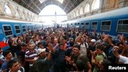 Будапешттин Келети темир жол вокзалы. 1-сентябрь 2015-жыл.